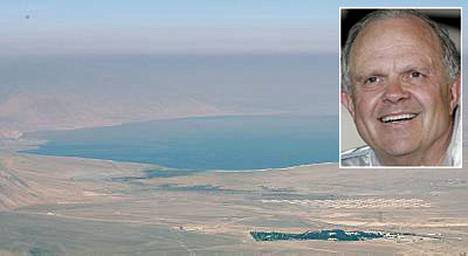 Steve Fossettia on etsitty kaikuluotainten avulla Walker-järvestä Nevadassa.