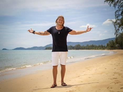 Sami Kuronen juontaa tuttuun tapaan Temptation Islandin uuden kauden.