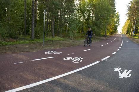 Oulun Baanan ensimmäinen osuus kulkee yliopistolta keskustaan päin kahden kilometrin matkan.