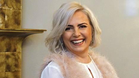 Kaisa Liski aloittaa elokuussa ravintola-alalla yhdessä ystävänsä ja miehensä kanssa.