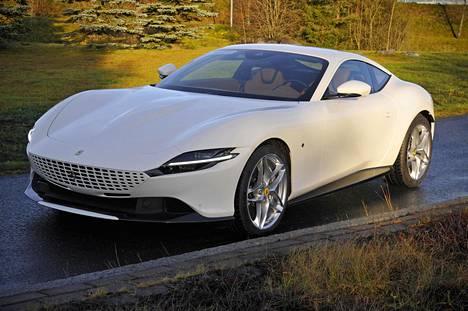 Muodoistaan palkittua Ferrari Romaa on inspiroinut ennen kaikkea legendaarinen 250 GT Berlinetta Lusso. Auto nojaa klassisiin attribuutteihin.