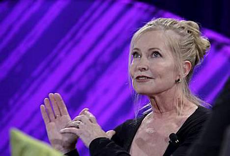Haimasyöpään kuolleen Patrick Swayzen vaimo Lisa Niemi kuvaili tuskaansa naisten konferenssissa.