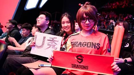 Dragons-fanit ovat seisoneet joukkueen takana ensimmäisestä päivästä asti, vaikka aluksi olikin vaikeaa.