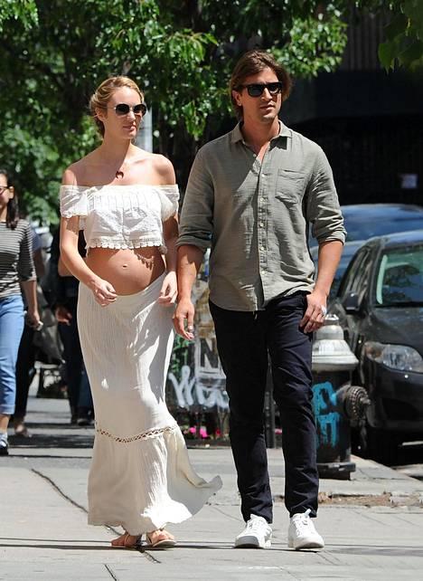 Somasti jo pyöristynyt Candice ja Hermann kuvattuna New Yorkissa viime toukokuussa.