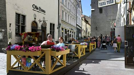 Tallinnan-matkalle vaaditaan maanantaista eteenpäin koronatodistusta.