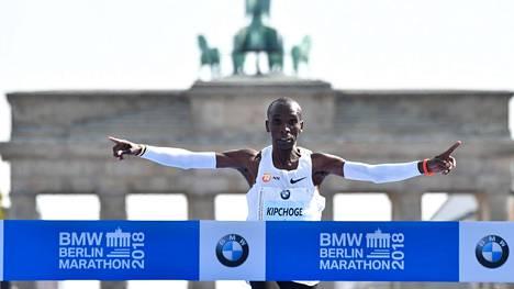Miesten maratonilla juostiin hurja uusi ME-aika – kovin ennätysparannus yli 50 vuoteen