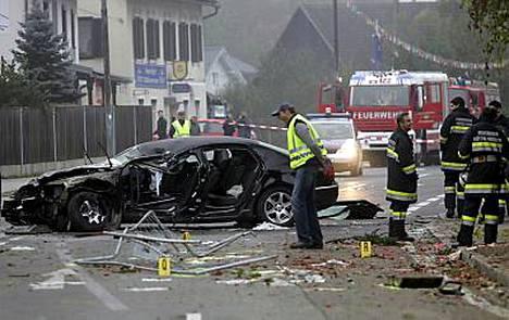 Itävaltalainen oikeistopoliitikko Jörg Haider kuoli auto-onnettomuudessa varhain lauantaiaamuna. Haider johti Itävallan tulevaisuuden liitto -puoluetta.