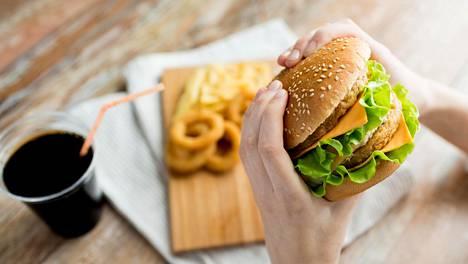 Tuoreen yhdysvaltalaistutkimuksen mukaan syöpätapauksista noin 8 prosenttia saattaa selittyä lihavuudella.