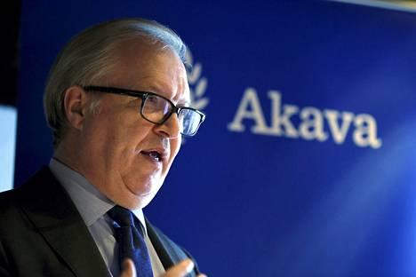 Akavan puheenjohtaja Sture Fjäderin mukaan valtion rahat kelpaavat työttömyyskassoille, ja välillä on palkansaajien vuoro.