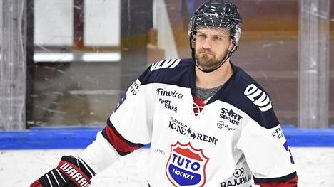 Jonne Virtanen edustaa Mestiksessä pelaavaa TuToa.