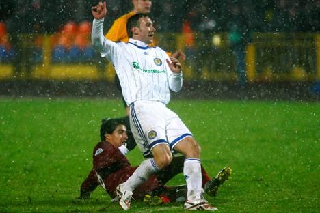 Andrei Shevtshenko vauhdissa Kiovan Dinamon riveissä Mestarien liigan ottelussa vuonna 2009.