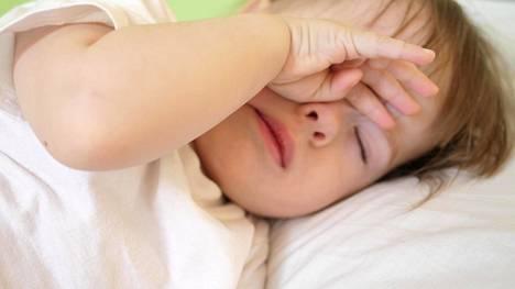 Liian vähäinen lepo ja uni voivat haitata impulssikontrollia ja keskittymistä sekä vähentää positiivisia tunteita.