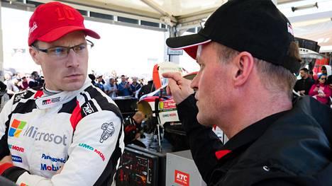 Jari-Matti Latvala ei ole enää Toyotan vakiokuljettaja. Hän kuitenkin lainaa Toyotalta autoa joihinkin kauden MM-ralleihin.