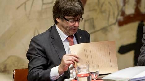 Katalonian aluejohtaja Carles Puigdemont ei aio määrätä aluevaaleja.