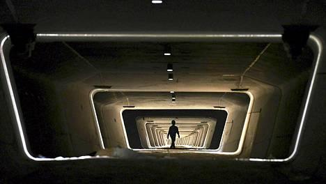 Kuvassa ei ole sci-fi-elokuvan lavasteita vaan näkymä Yiwuun Kiinaan rakennettavan rautatien perustuksiin.