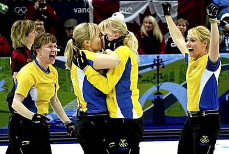 Cathrine Lindahl ja Anna Le Moine täydensivät ruotsalaisen kultajoukkueen.