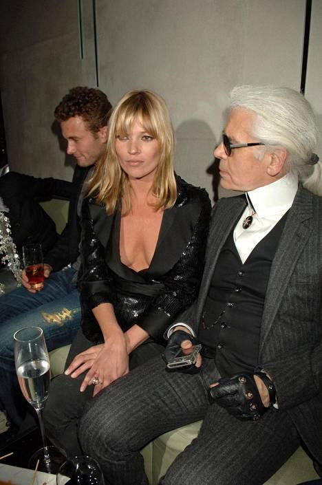 Kate Moss ja Lagerfeld vuonna 2007.