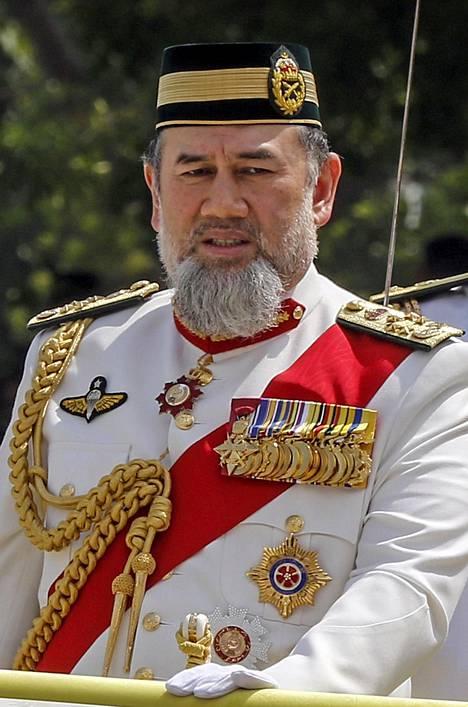Malesialaiset pitävät kuningasta islaminuskon ja malesialaisten perinteiden keulakuvana. Poliittinen valta on kuitenkin pääministerillä.