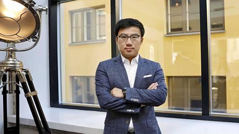 Puhelimien oma HMS-alusta ei ole Huaweille vain Googlen Androidin korvike, sanoo Huawein kuluttajaliiketoimintaa muun muassa Keski- ja Itä-Euroopassa sekä Pohjoismaissa johtava Derek Yu.