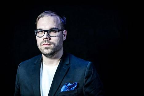 """Juha """"aNGeldusT"""" Kurppa on yksi Ylen esports-selostajista Assemblyilla."""