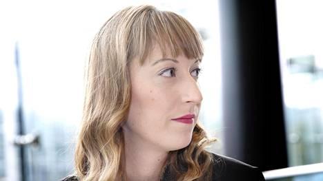 Eveliina Heinäluoma pettyi puolueen valtuutetun Husu Husseinin toimintaan.