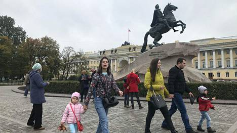 Koronavirus on estänyt toistaiseksi suomalaisten turistimatkat Pietariin, joten moni on odottanut kovasti e-viisumia rajojen aukeamisen lisäksi.