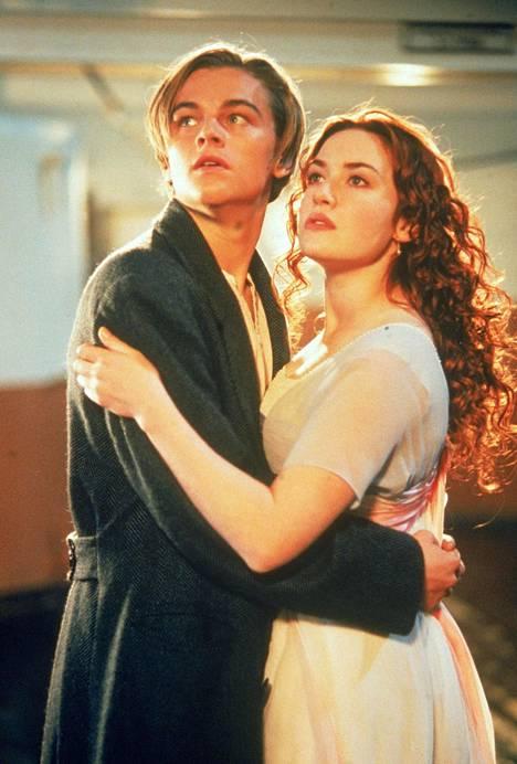 Titanic nappasi 11 Oscaria. Pääosaa tähdittävän Kate Winsletin onneksi Gwyneth Paltrow kieltäytyi Rosen roolista.