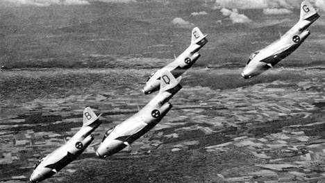 Saab J29 Tunnan -lentokoneita.