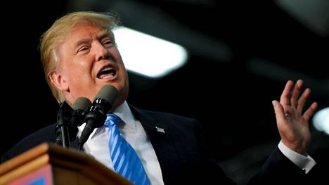 Donald Trump johtaa republikaanien ehdokaskilpaa.