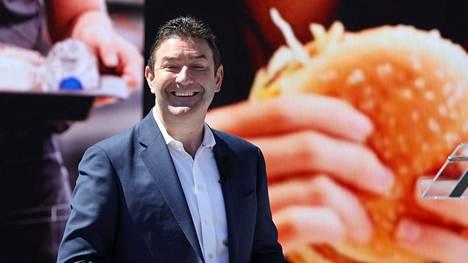 Toimitusjohtaja Steve Easterbrook hymyili leveästi isännöidessään McDonald'sin uuden pääkonttorin avajaisia Chicagossa vuonna 2018.
