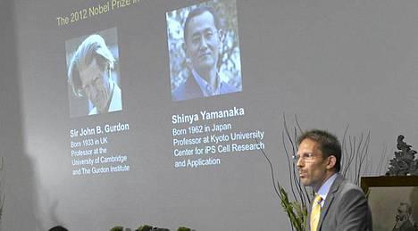 Karoliinisen instituutin Thomas Perlmann julkisti Tukholmassa lääketieteen Nobel-palkinnon saajat.