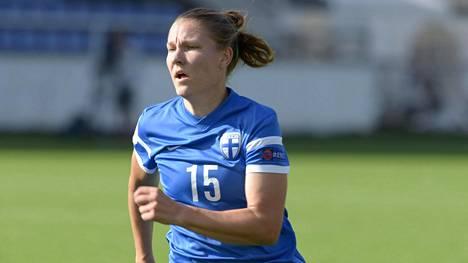 Suomen naisten maajoukkuepelaajan ura jatkuu Ruotsissa – kipparoi hiljattain joukkueensa USA:n yliopistomestariksi