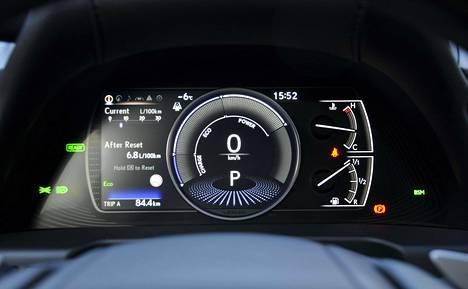 Selkeän digimittariston saa näyttämään esimerkiksi energiakäytön taloutta. Auto kulutti talviajossa keskimäärin 5,8 litraa sadalla, kun keskinopeus oli 60 km/h.