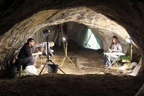 Vainaja löytyi jo 1960-luvulla Tunel Wielki -alueen luolasta Puolasta, mutta jäänteitä on alettu tutkia vasta nyt. Luolaa tutkittiin uudelleen vuonna 2016.