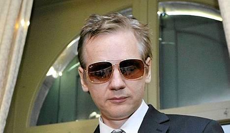 Julian Assange piileskelee tiettävästi Britanniassa.
