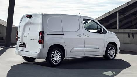 Ennakkokuvat julki: Toyota Proace saa ennen näkemättömän pikkuveljen – tältä se näyttää!