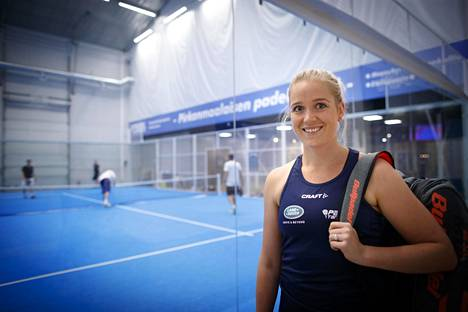 Entinen tennisammattilainen Ella Leivo on Suomen kärkipelaajia padelissa.