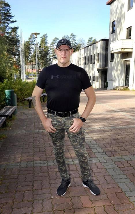 48-vuotias Halvari on tehnyt pitkän uran Suomen tullissa.