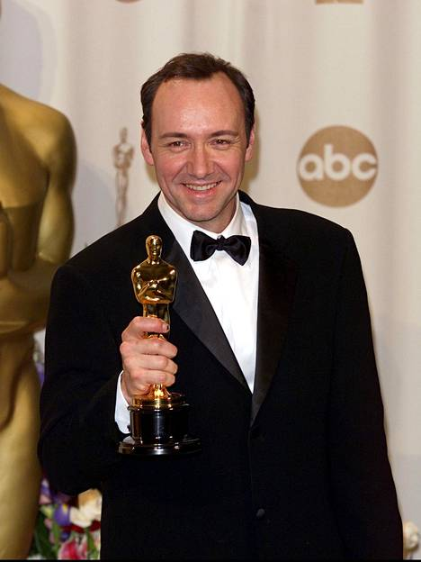 Rooli American Beautyssa toi Kevin Spaceylle Oscarin parhaasta miespääosasta vuonna 2000.