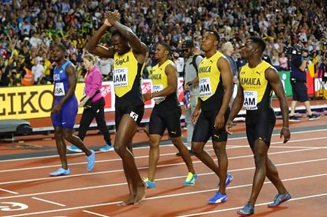 Yleisö osoitti huikean uransa päättäneelle Boltille suosiotaan.