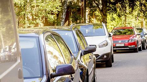 Pysäköintimahdollisuuksien järjestelmällinen huonontaminen isoissa kaupungeissa on valtiovarainministeriön näkemyksen mukaan yksi keinoista, joilla liikenteen sovitut ilmastotavoitteet voidaan ehkä saavuttaa.