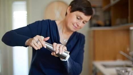 Hanna Partanen on nähnyt vuosien saatossa, millaiset syömistavat ovat terveyden ja painonhallinnan kannalta toimivimmat.