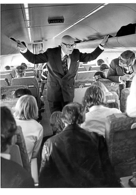 Kekkonen lentää. Vielä 1970-luvulla häntä pidettiin suomalaisen miehisyyden mallina.