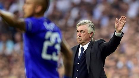 Real Madridin ex-valmentaja Carlo Ancelotti kiinnostaa taas Valioliigassa.