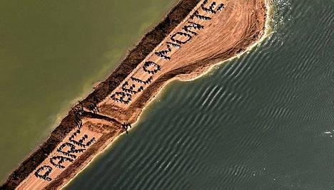 Mielenosoittajat vaativat pysäyttämään Belo Monten padon rakentamisen.