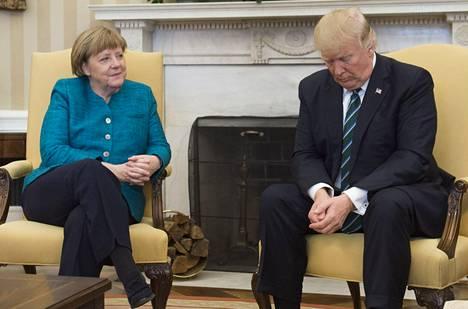 Merkelin ja Yhdysvaltain presidentti Donald Trumpin välejä on pidetty viileinä.
