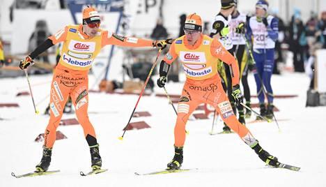 Ristomatti Hakola ja Markus Vuorela pitivät ladulla parasta vauhtia Vöyrillä.