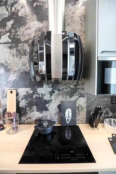 Liesituulettimet saavat olla näyttäviä sisustuselementtejä kuten Keuda-kodissa.