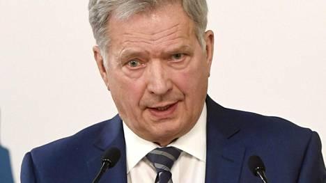 Tasavallan presidentti Sauli Niinistö isännöi Kultaranta-keskusteluja.