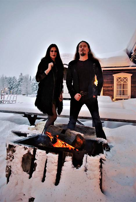 Tuomas Holopainen ja Floor Jansen ovat jälleen tärkeiden asioiden äärellä.